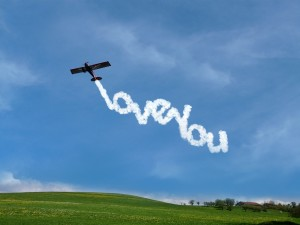 Plane says I love you