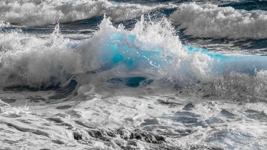 Aquarius, sea